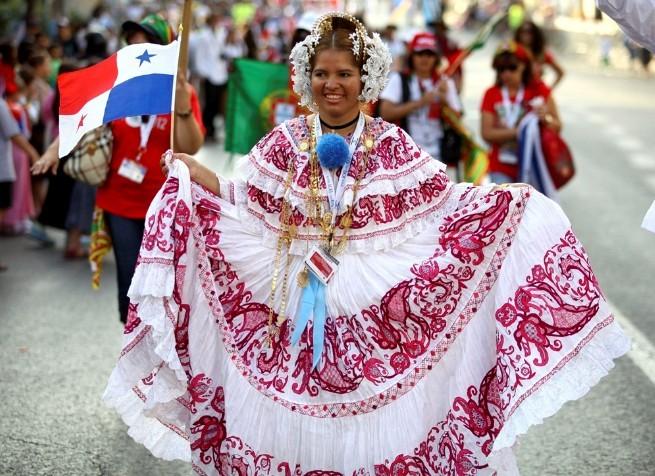 巴拿马传统服饰